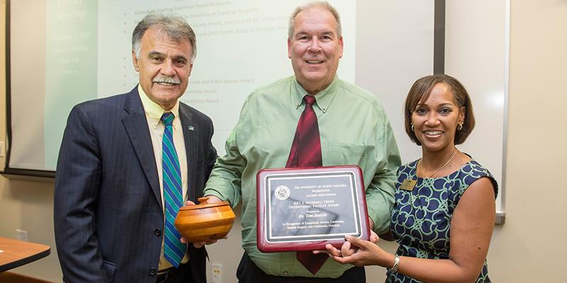 Awards & Scholarships : Alumni Association : UNCW